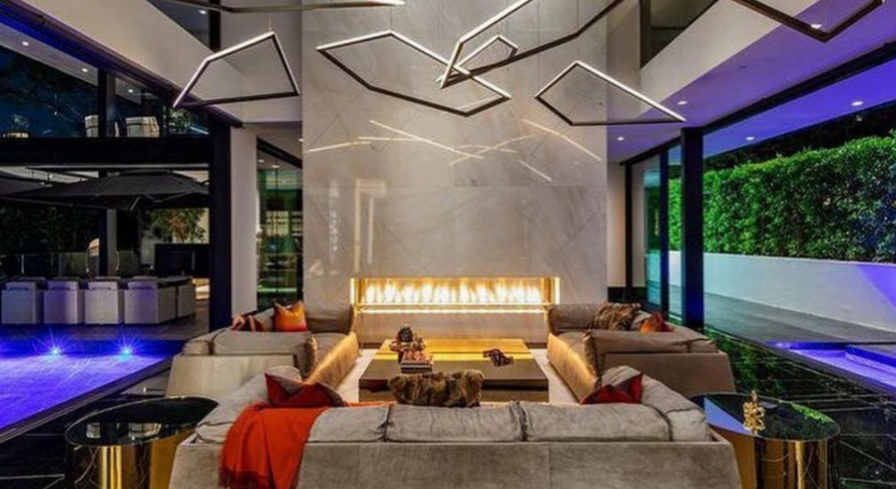 a luxurious living room